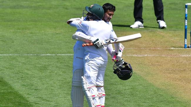 Bangladesh's Mushfiqur Rahim (back) and Shakib Al Hasan combined for the fourth largest fifth-wicket partnership in Test history.