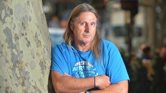 secrets essay tim winton Secrets by tim winton speaks the truth a young lady called kylie who feels insufficient and forlorn by her mom's absence of consideration and adoration and the.