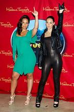 Put your hands in the air of you look like Alicia Keyes ... Singer Alicia Keys poses with her wax likeness at an unveiling at Madame Tussauds in New York, Tuesday, June 28, 2011. Picture: AP Photo/Charles Sykes