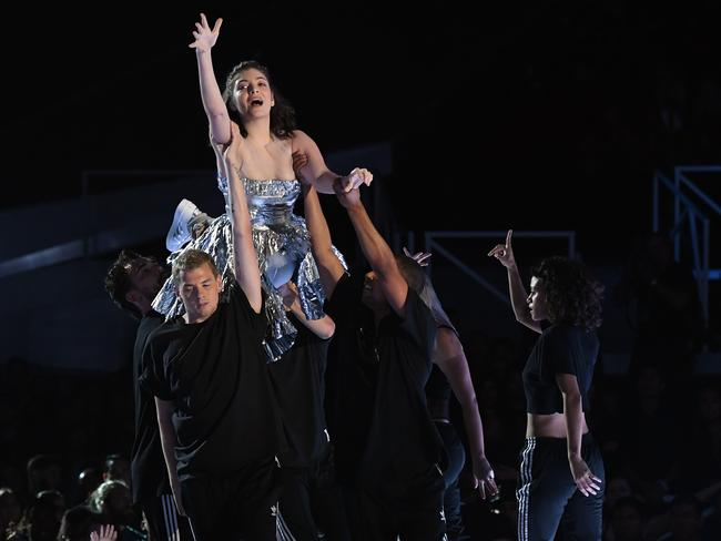 Lorde performs at the 2017 MTV Video Music Awards. Picture: Kevin Winter