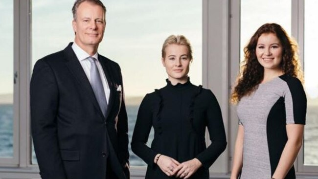 Johan F. Andresen has transferred his stake in Norway's biggest company, Ferd Holdings, to his daughters Katharina and Alexandra.