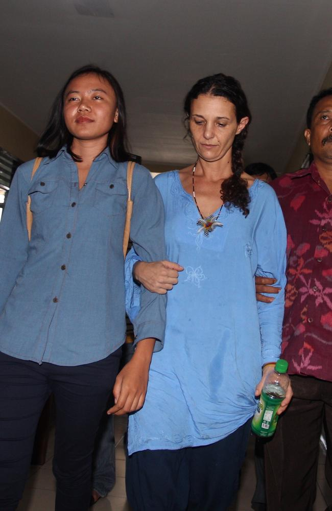 Sara Connor at Denpasar Police Station, being led to an interviewed. Picture: Lukman S. Bintoro