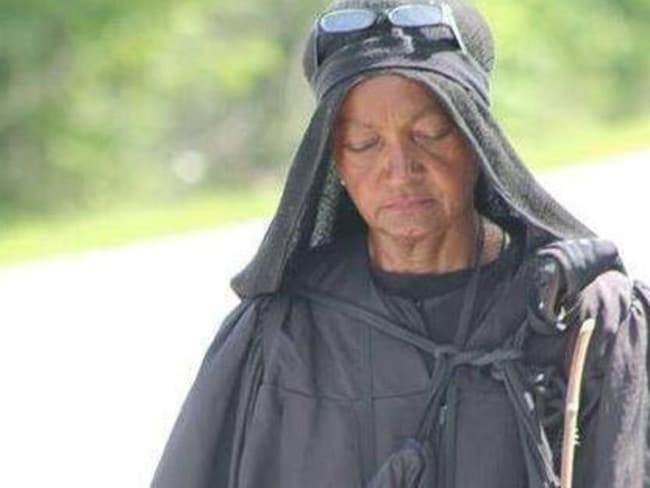 Walkabout ... This woman in black has sparked an online campaign to find out who she is and why she has walked more than 800 kilometres around America.
