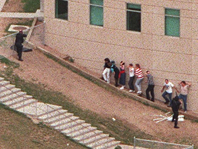 columbine shooting story essay School shootings this essay school shootings and other through a students mind when they hear about a school shooting the columbine high school shootings.