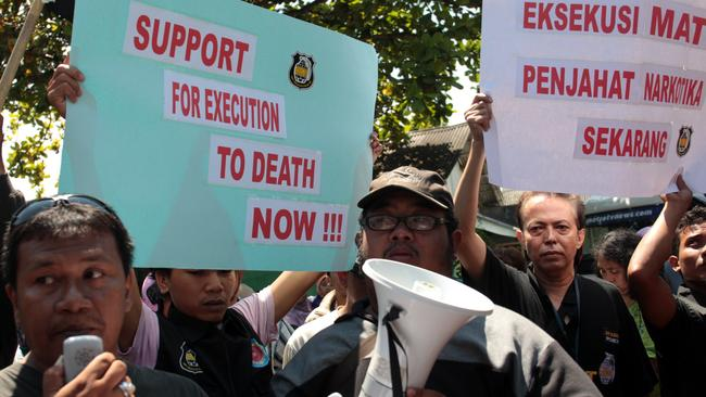 Protesters ... Indonesians Against Drugs Movement want the Bali Nine ringleaders to be executed. Picture: Lukman S. Bintoro