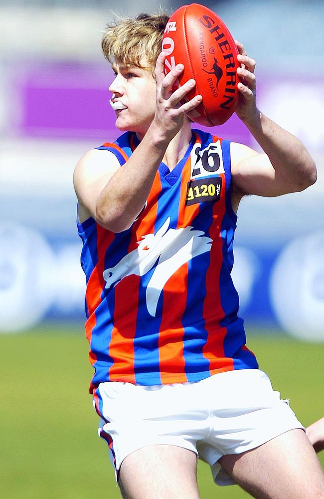 Robbie Gray in action for the Oakleigh Chargers. Picture: Kris Reichl