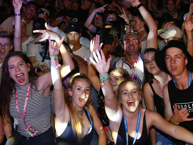 Schoolies in Surfers Paradise   For : The Courier Mail    25/11/16 Schoolies enjoy the beach concert in Surfers  Photo :  Jason O'Brien