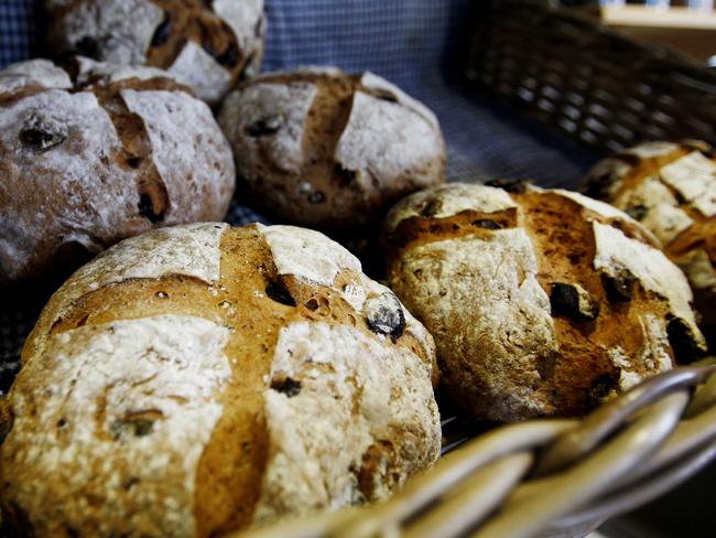 """misunderstanding of gluten Here are the common gluten misunderstandings, according to the survey: 1 a quick gluten 101 gluten is a protein found in the """"big three"""" grains (wheat, barely and rye) and their many ."""