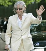<p>Irish singer Bob Geldof arrives for the dinner birthday party of former president of South Africa Nelson Mandela in central London's Hyde Park, Wednesday June 25, 2008.</p>