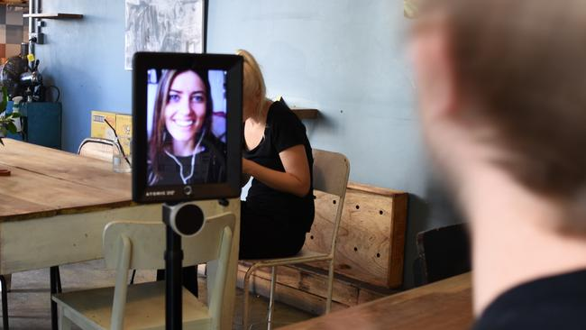 online dating robot Most notably: a new initiative dubbed facedate — the company's entrance into the world of online dating their timing, however robots sizzle.