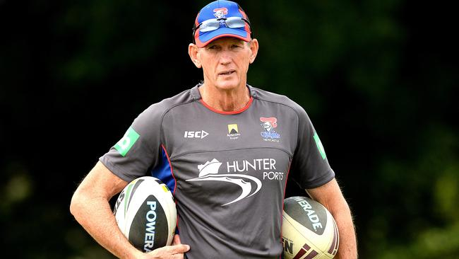 Wayne Bennett overseas a Knights training session.