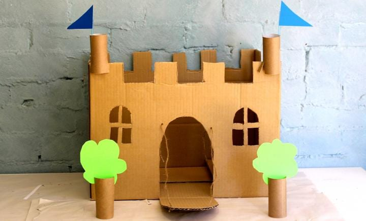 make a cardboard castle kidspot. Black Bedroom Furniture Sets. Home Design Ideas
