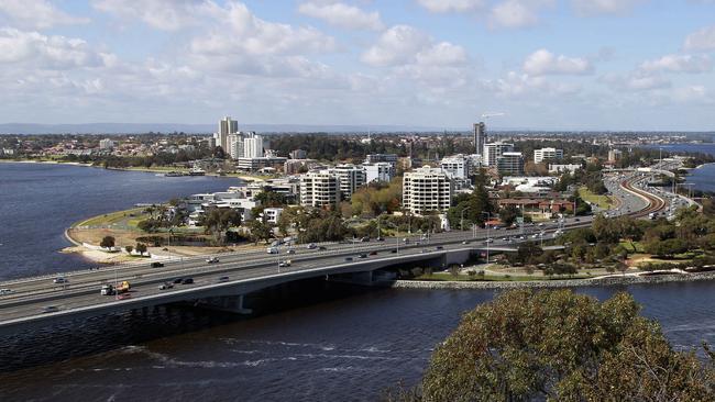 The Narrows Bridge carrying the Kwinana Freeway into Perth's CBD.