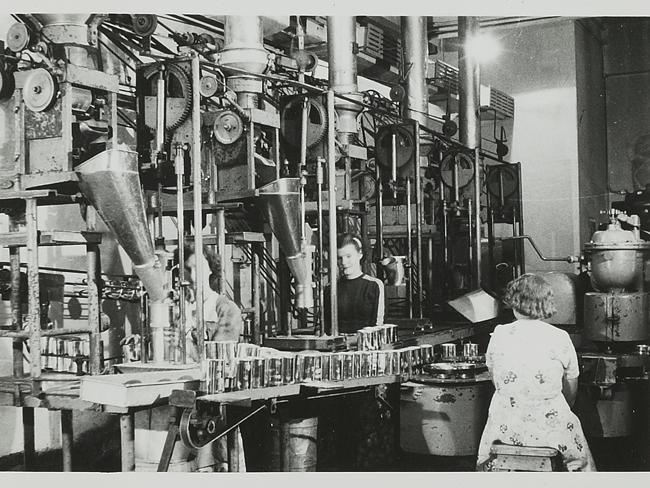 The Smithtown factory, Australia, 1949.