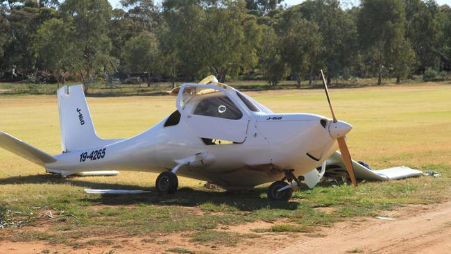 The crashed plane at Red Cliffs Golf Course near Mildura.