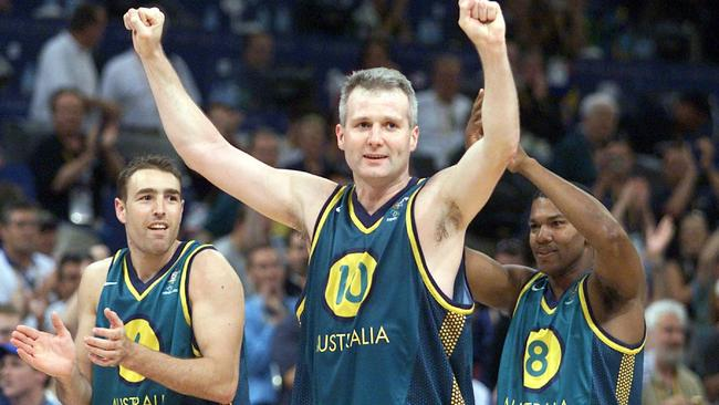 Andrew Gaze celebrates after beating Italy at the Sydney Olympics.