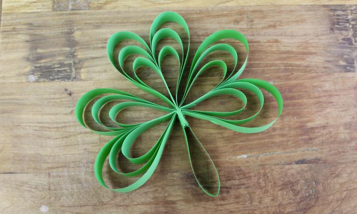 Easy shamrock paper craft