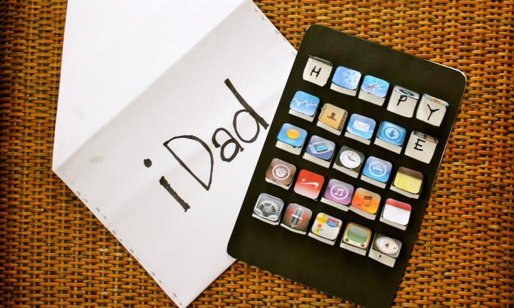 "If you have a gadget-loving Dad on your hands, honour his love of gadgetry with this nifty iDad card.  <a href=""http://www.kidspot.com.au/things-to-do/activities/fathers-day-idad-card"">See here for how to make an iDad card.</a>"