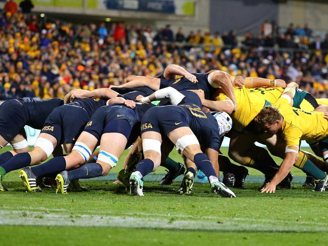 CANBERRA, AUSTRALIA - SEPTEMBER 16:  The Wallabies scrum buckles the Pumas scrum which leads to a try during The Rugby Championship match between the Australian Wallabies and the Argentina Pumas at Canberra Stadium on September 16, 2017 in Canberra, Australia.  (Photo by Scott Barbour/Getty Images)