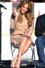 <p>A wave of success ... Jennifer Lopez poses as Denzel Washington announces her as a national spokesperson for The Boys & Girls Club Of America on November 30, 2010 in Los Angeles, California. (Photo by Jason Merritt/Getty Images)</p>