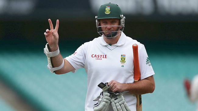 Ready to pounce....South African captain Graeme Smith. Picture: Brett Costello