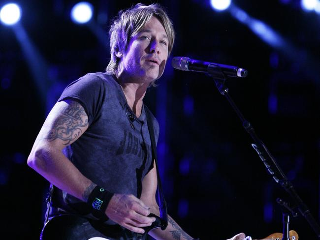 Rushing home ... Keith Urban was on his way to a charity gig in LA, but turned around and flew straight home to Nashville after learning of Dr Kidman's death. Picture: AP