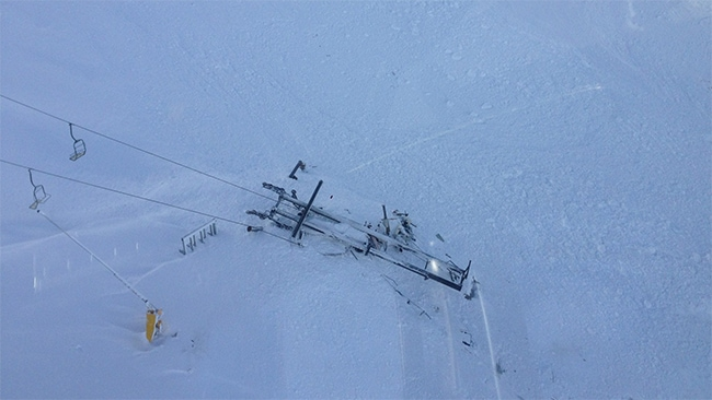Brokwn chairlift