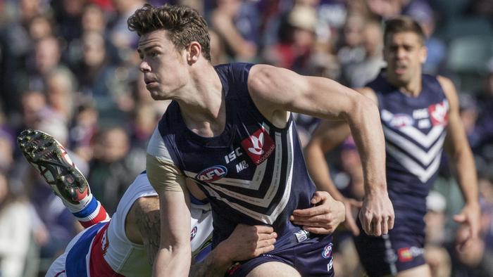 Lachie Neale of the Fremantle Dockers during the Round 23 AFL match between the Fremantle Dockers and the Western Bulldogs at the Domain Stadium in Perth, Sunday, Aug. 28, 2016.(AAP Image/Tony McDonough) NO ARCHIVING, EDITORIAL USE ONLY