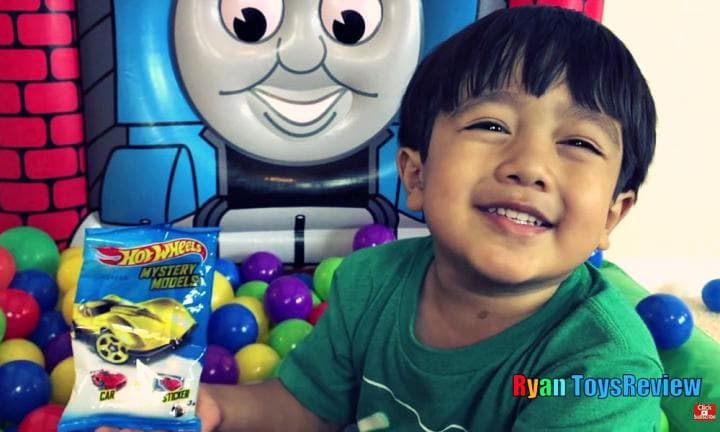 Why kids are addicted to watching 'unboxing' videos online