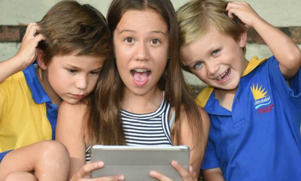 Tablets and smartphones linked to increase in head lice