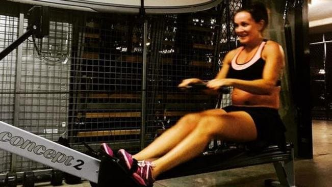 Pregnant michelle bridges gruelling gym session in a