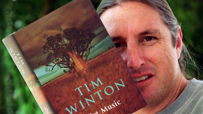 tim winton big world Vic finishes high school ('big world', 'damaged goods') and faces the loss of friends and family he goes to university in perth and studies to be a lawyer, while his mother carol works in the city as a cleaner ('on her knees')  tim winton is one of australia's most celebrated and critically : acclaimed authors winner of the miles franklin award a record four times, the western australian–born and bred author's eight novels and.