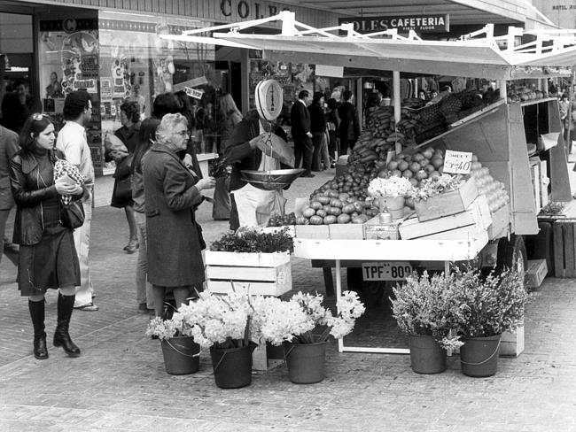 Remember these? A fruit and vegetable stand in Rundle Mall in 1976.