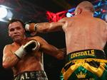 Garth Wood punches Daniel Geale.