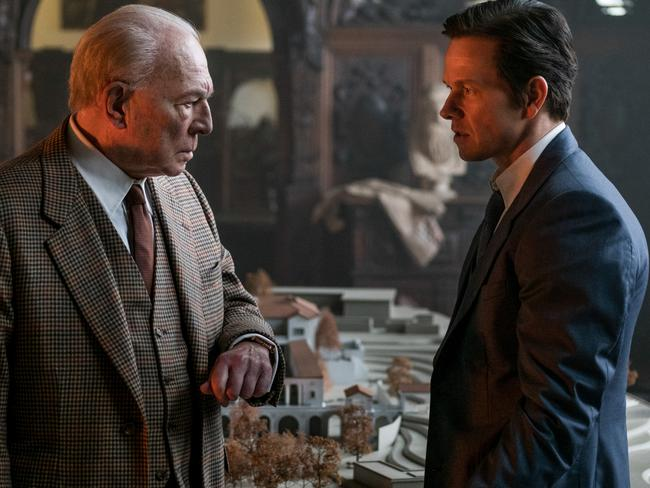 Christopher Plummer with Mark Wahlberg in one of the reshot scenes.