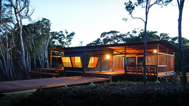 <s1>  TOP NOTCH: The Three Capes Track cabins designed by JAWSARCHITECTS have won the top gong at the 2016 Australian Timber Design Awards for walkers' &shy;accommodation on the track </s1>.  <source></source>Pictures: JAWSARCHITECTS