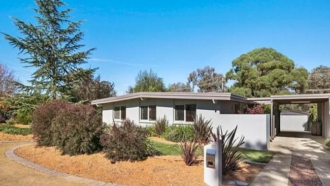 A home at 109 Kambalda Crescent, Fisher sold under the hammer for $663,000. Picture: realestate.com.au