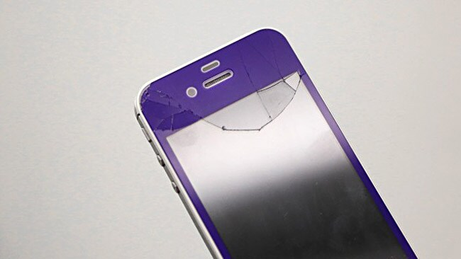 Journalist Andrea Smith's phone smashed after she dropped it. Or did it...? Picture: Mashable