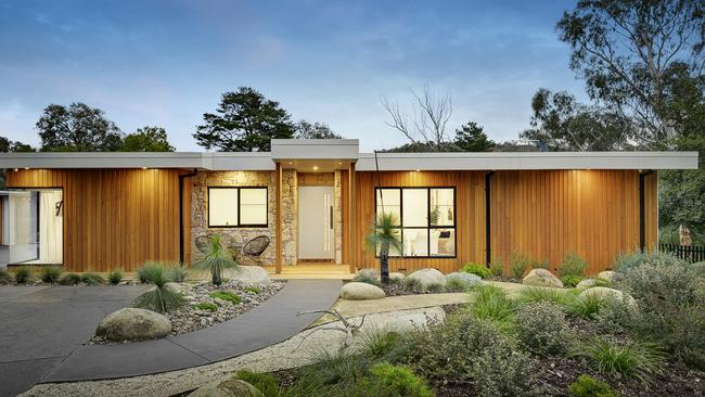 Contemporary warrandyte house hits the market with million for House hits 88