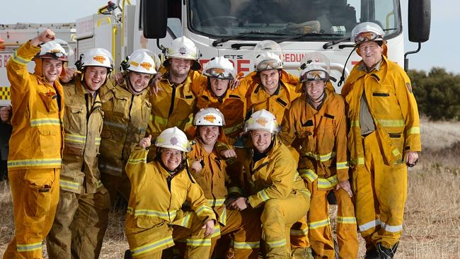 CFS firefighters who fought the Ceduna bushfires. Picture: Roy VanDerVegt.