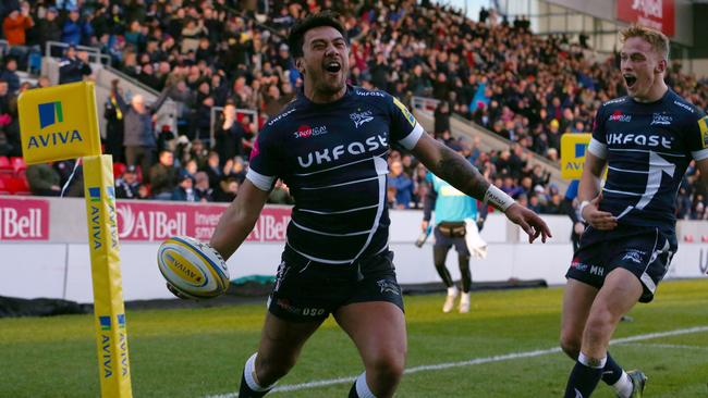 Eddie Jones has picked former Samoa rugby league international Denny Solomona in his England squad.