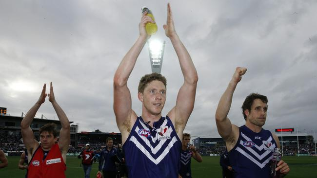 Zac Dawson led Fremantle's celebrations following the qualifying final win last year. Picture: Wayne Ludbey