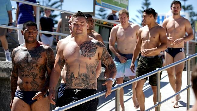 Rooster's Frank-Paul Nuuausala and Jared Waerea-Hargraves head towards the water.