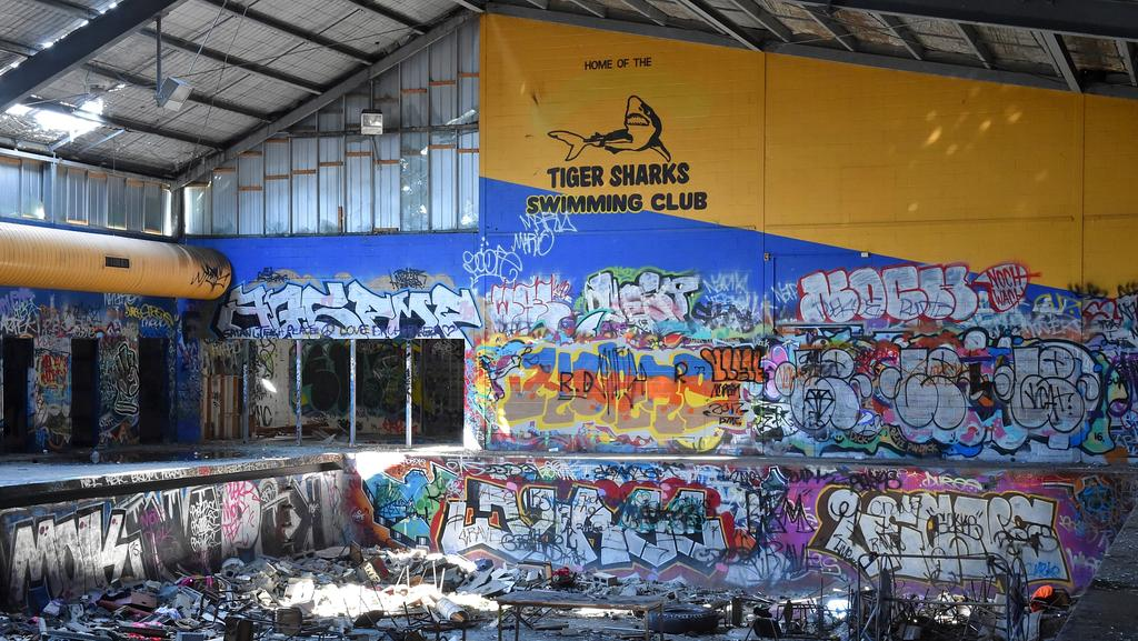 Plans For A Cinema And Restaurant Complex At The Derelict Cranbourne Pool Site Stall As Council