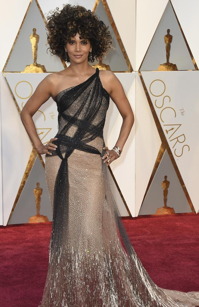 Download Our Printable Oscars Ballot furthermore 3148340 additionally Oscars Logo in addition 09834aeb4f594cb8a354a759a2628c17 likewise Previous Miss World Priyanka Chopra To Present At 74th Golden Globes Awards 2017. on oscar award ceremony 2017