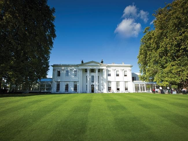 The grand Hurlingham Club.