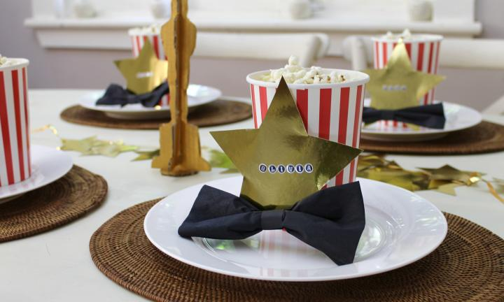 How to create an Oscar-themed table setting
