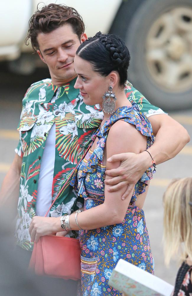 Orlando and Katy head to dinner at the Barracuda restaurant on Kauai. Picture: Splash News.