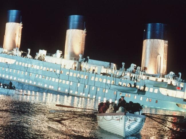 The heart-wrenching moment the Titanic sank.