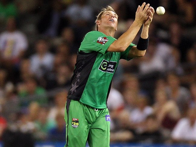 BRISBANE, AUSTRALIA - JANUARY 03: Shane Warne of the Stars bowls during the Big Bash League match between the Brisbane Heat and the Melbourne Stars at The Gabba on January 3, 2013 in Brisbane, Australia. (Photo by Matt Roberts/Getty Images)